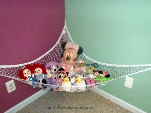 This is Little Miss S's stuffed animal hammock.